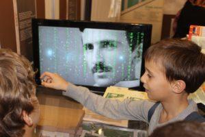 Деца и Тесла