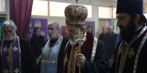 Владика Лаврентије служио је парастос жртвама Змињака, Петловаче и Скрађана, погинулим у Првом и Другом Свтеском рату