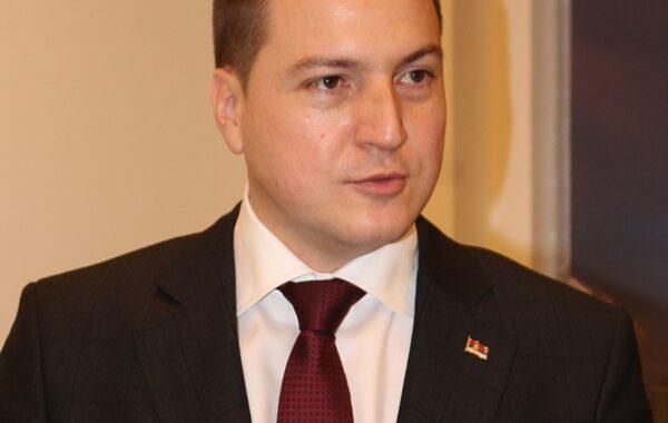 Министар просвете Бранко Ружић