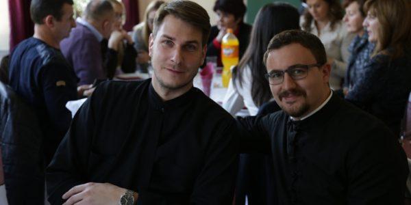 Бивши вероучитељ, Отац Немања Живковић